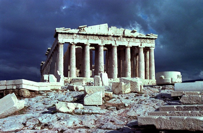 parthenonParthenon and clearing stormstorm